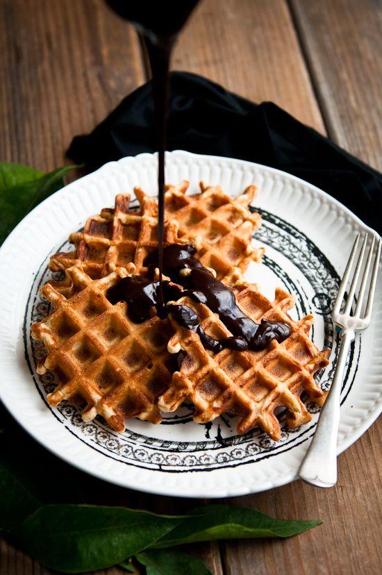 waffles con chocolate negro
