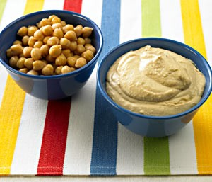 hummus-snack-chickpeas-art